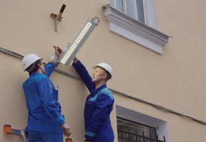 Монтаж уличного освещения (фото 2)