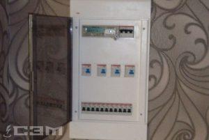 Установка электрощитков в квартире
