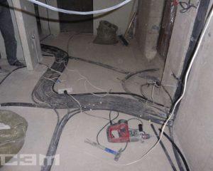 Монтаж проводки в доме (фото 1)